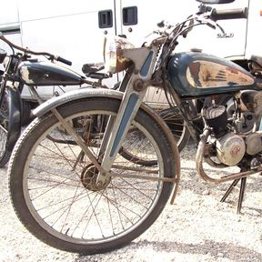 alte_moped_patina_formost.png